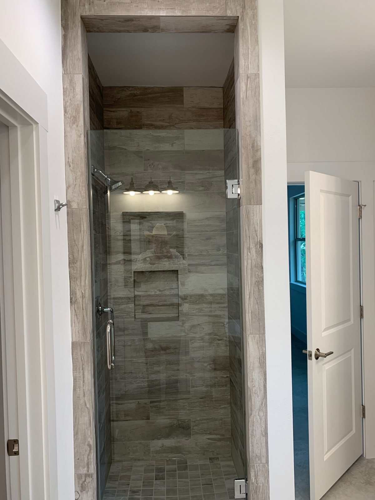 Lago Vista Master Shower